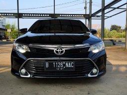 Toyota Camry 2.5 V 2016 Black On Biege Mulus Terawat TDP 65Jt