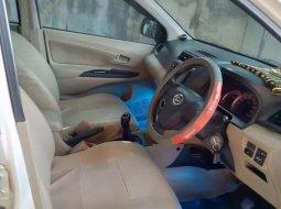 Jual Daihatsu Xenia R 2012 harga murah di Riau