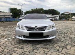 Toyota Camry 2.5 V 2013 Kemudian