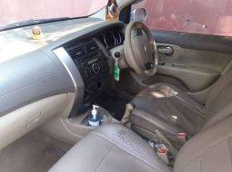 Jawa Barat, Nissan Livina 2010 kondisi terawat