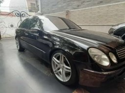 Dijual mobil bekas Mercedes-Benz E-Class , Banten