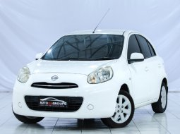 NISSAN MARCH HATCHBACK A/T WHITE 2011