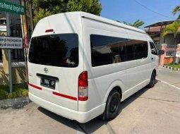 Dijual mobil bekas Toyota Hiace Commuter Manual, Jawa Timur