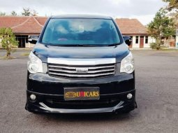 Toyota NAV1 2013 Jawa Timur dijual dengan harga termurah