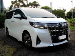 Toyota Alphard 2.5 G ATPM A/T 2020 Putih PEMAKAIAN 2021