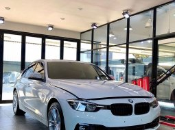 jual Bmw 320i tahun 2020 km 8ribu tipe shadow warranty pemilik langsung surabaya 2019