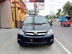 Jual mobil bekas murah Toyota Kijang Innova V 2004 di Jawa Timur