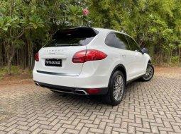 Mobil Porsche Cayenne 2012 terbaik di DKI Jakarta
