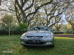 Jawa Timur, Honda Accord VTi 2007 kondisi terawat