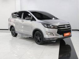 Toyota Innova 2.4 V MT 2019 Silver