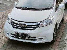 Jawa Timur, Honda Freed PSD 2014 kondisi terawat