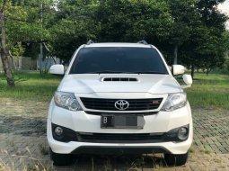 Toyota Fortuner 2015 Putih