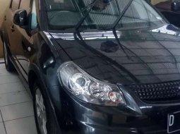 Jawa Barat, Suzuki SX4 X-Over 2011 kondisi terawat