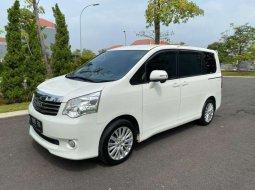 DKI Jakarta, Toyota NAV1 G 2013 kondisi terawat