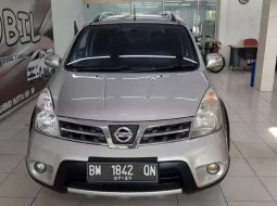 Mobil Nissan Livina 2009 X-Gear terbaik di Riau