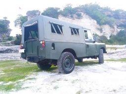 Land Rover Defender 1985 Jawa Timur dijual dengan harga termurah