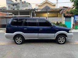 DKI Jakarta, Toyota Kijang Krista 2002 kondisi terawat