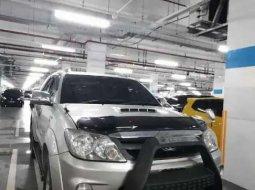 Jual cepat Toyota Fortuner 2005 di Jawa Barat