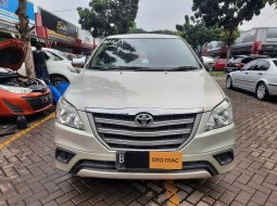 Toyota Kijang Innova E DIESEL SOLAR