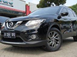 Nissan X-Trail 2.5 2015 Hitam mulus siap pake