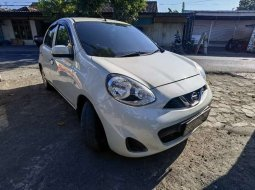 Jual Nissan March 2015 harga murah di Jawa Timur