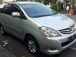 Jawa Timur, Toyota Kijang Innova 2.5 G 2010 kondisi terawat