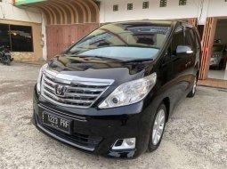 Mobil Toyota Alphard 2000 G terbaik di Sumatra Selatan