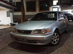 Mobil Toyota Corolla 2000 terbaik di DKI Jakarta