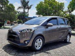 Jawa Barat, Toyota Sienta G 2016 kondisi terawat