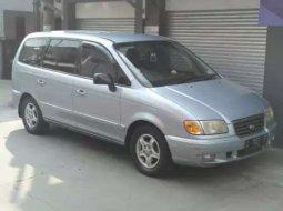 Jual mobil bekas murah Hyundai Trajet 2000 di Jawa Barat