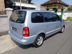Jual mobil Hyundai Trajet 2001 bekas, Jawa Tengah
