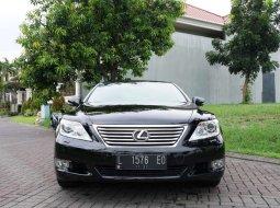 Jawa Timur, Lexus LS 2010 kondisi terawat