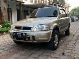 Mobil Honda CR-V 2000 2.0 terbaik di Jawa Barat