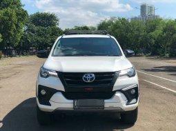 Toyota Fortuner 2.4 VRZ AT 2019 Putih