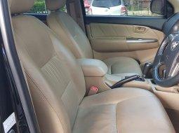 Toyota Hilux V 2014 Hitam