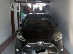 Dijual mobil bekas Toyota Sienta Q, Jawa Tengah