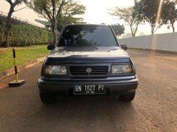 Mobil Suzuki Escudo 1995 JLX terbaik di Banten