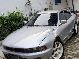 Mobil Mitsubishi Galant 1998 terbaik di DKI Jakarta