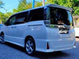 Bali, Toyota Voxy 2018 kondisi terawat