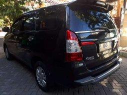 Mobil Toyota Kijang Innova 2013 E terbaik di Jawa Timur