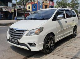 Dijual mobil bekas Toyota Kijang Innova E, Jawa Barat