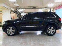 Jual Jeep Grand Cherokee Overland 4x4 2012 harga murah di DKI Jakarta