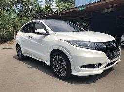 Honda HR-V Prestige Putih