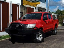 Kalimantan Barat, Toyota Hilux E 2014 kondisi terawat