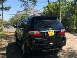 Jawa Timur, Toyota Fortuner 2009 kondisi terawat