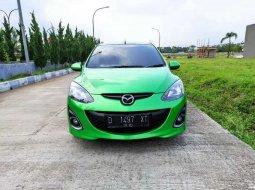 Jawa Barat, Mazda 2 R 2011 kondisi terawat