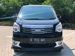 Jual Toyota NAV1 V 2012 harga murah di Banten