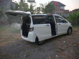 Jual Honda Freed 1.5 2011 harga murah di Jawa Tengah