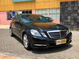 Mercedes-Benz 300 2011 DKI Jakarta dijual dengan harga termurah