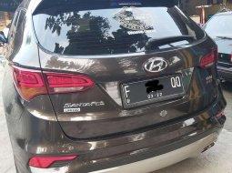 DKI Jakarta, Hyundai Santa Fe CRDi 2016 kondisi terawat